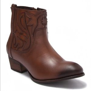 NWT Roan Leather Elsia Western Ankle Cowboy Boot